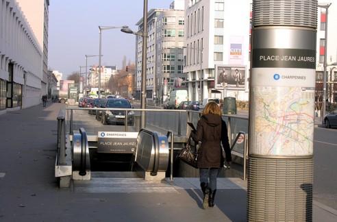 Station de métro place Jean Jaurès