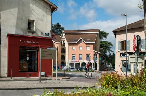 Le centre commerçant de Villette-d'Anthon
